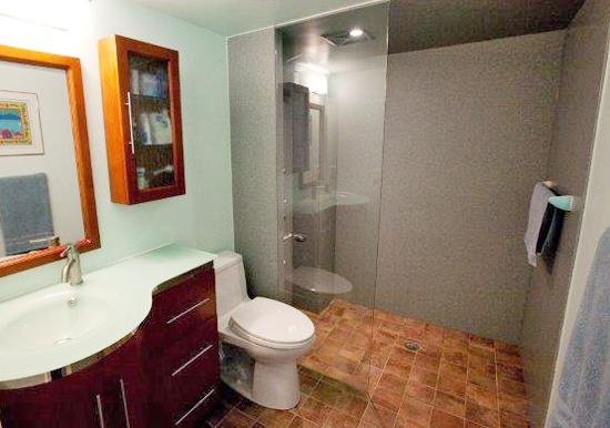 Master bathroom 1-edit